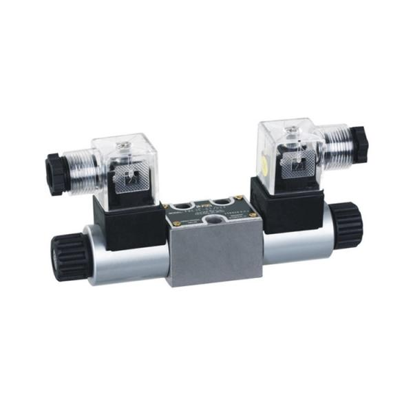 Rexroth 4WE10D3X/OFCG24N9K7 Solenoid directional valve #1 image